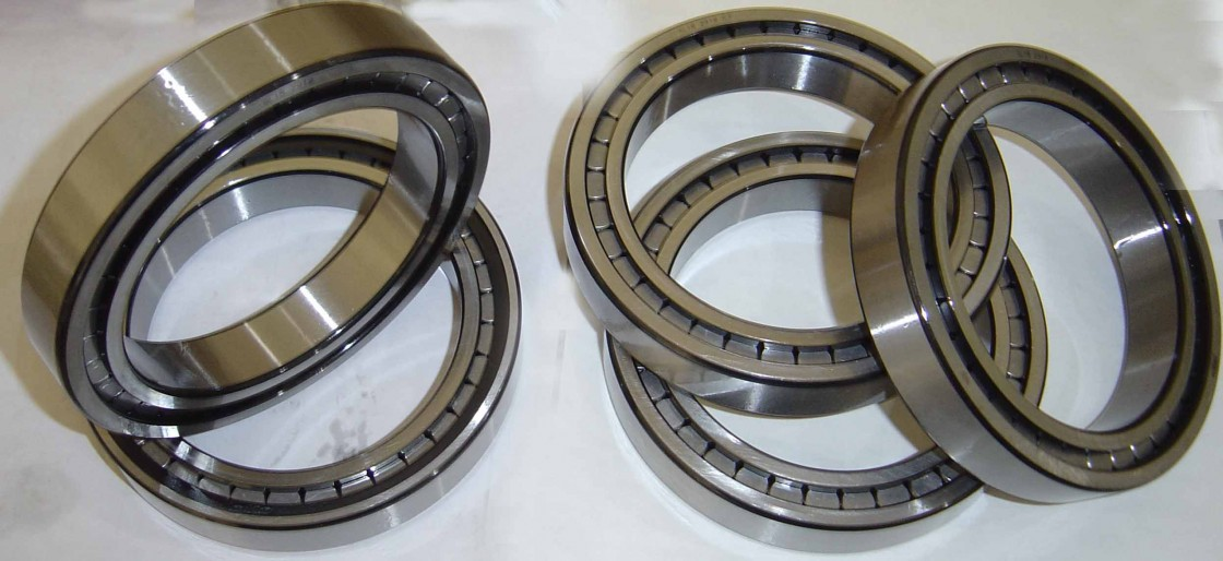 AMI UCF213-40C  Flange Block Bearings